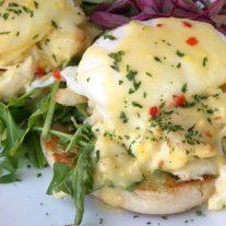 eggs crab benedict
